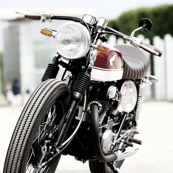 Honda CB350. I figure since I used to dirt bike that I could navigate this.