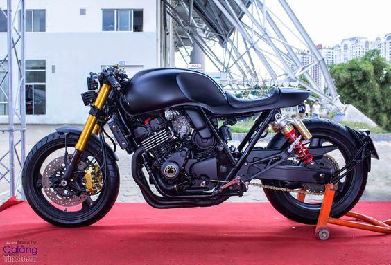 Honda CB400 - RocketGarage Cafe Racer