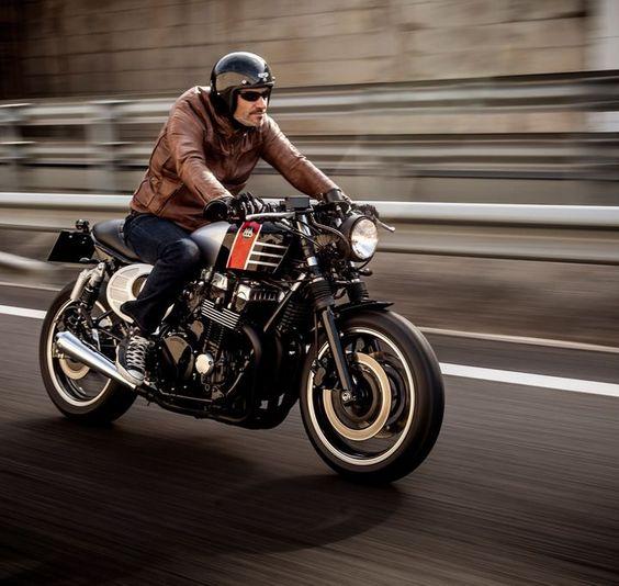 Honda CB750 Seven Fifty Spitfire 09 Cafe Racer