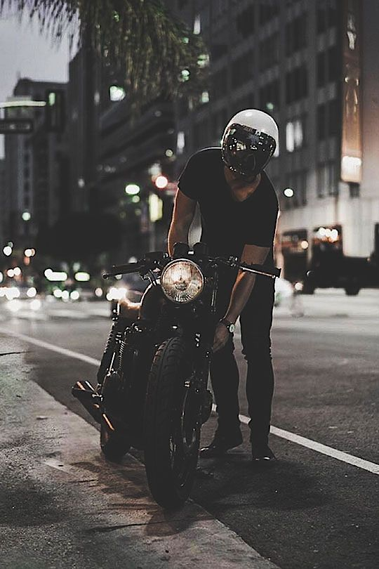 Hyper-Caine — thelavishsociety: Night Rider by Eric Steez #caferacerculture #motos |