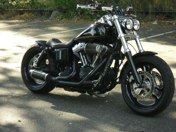 Jeff's Harley Davidson Fat Bob customised with a Voodoo Fender   Rocket Bobs