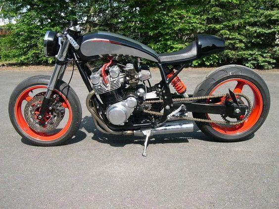 L-AERO (Chartres) Cafe Racer moto Suzuki 750GS