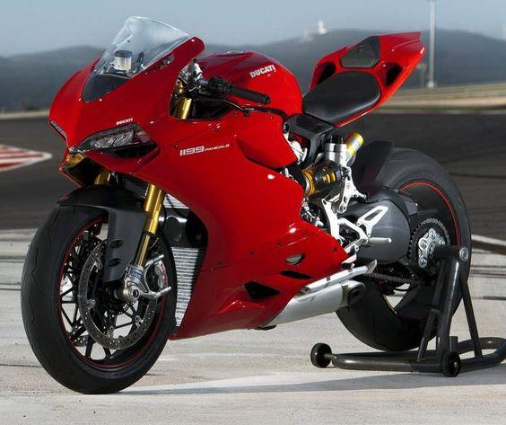La Ducati 1199 Panigale, moto deportiva galardonada como la