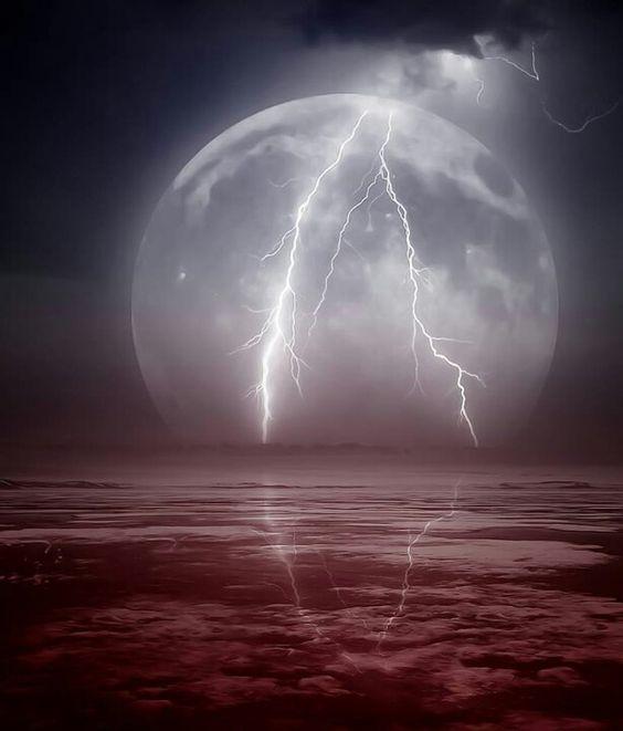 Lightning on the  great shot!