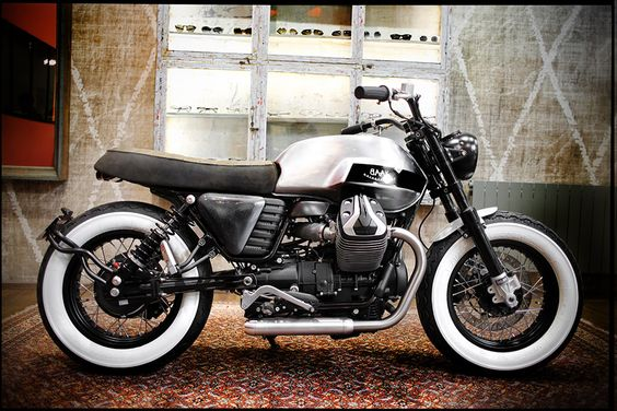 Limited Bobber based on #MotoGuzzi V7, by BAAK Motocyclettes.