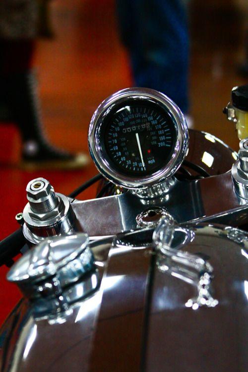 looks like Moto Guzzi