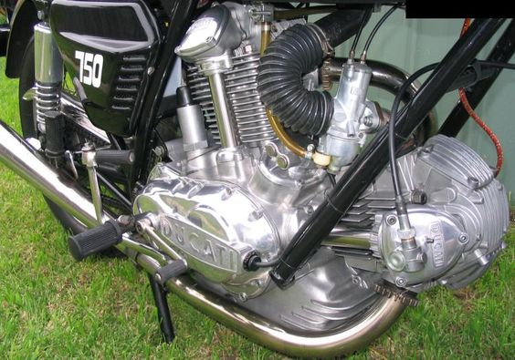 Machinery Cleanery Ducati 750 GT 1972