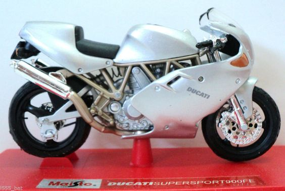Maisto 1:18 - Ducati Supersport 900FE Motorcycle Motorbike Model