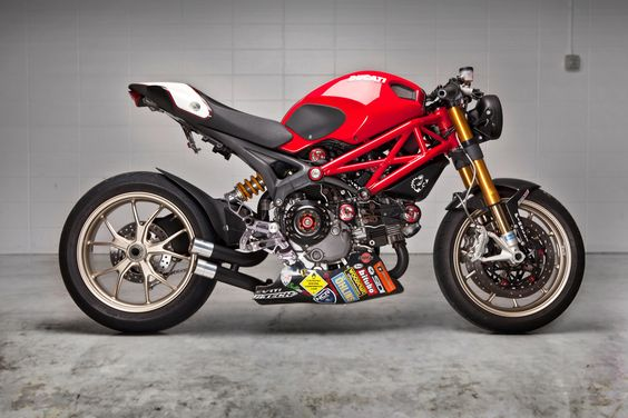Matt Costabile's award-winning Monster 1100R is one of the most beautiful custom Ducatis we've seen for a while.