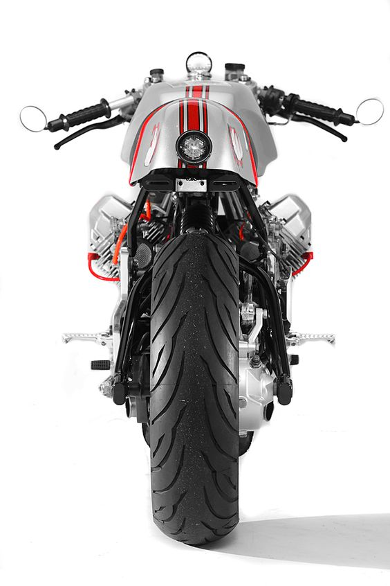 Moto Guzzi V11 Cafe Racer Sport by Santiago Choppers #motorcycles #caferacer #motos |