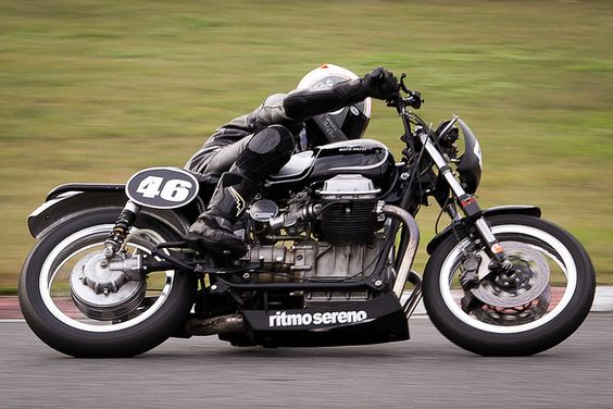Moto Guzzi V7 Ambassador Racing Version Test-Drive Right View