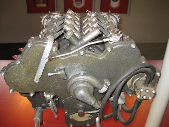 Moto Guzzi V8 motorcycle engine