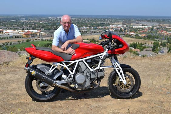 Norman Hossack and the Ducati 800