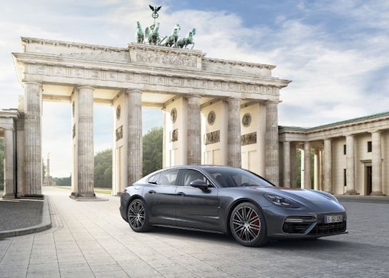Porsche Debuts 2017 Panamera Sports Car With CarPlay Support -