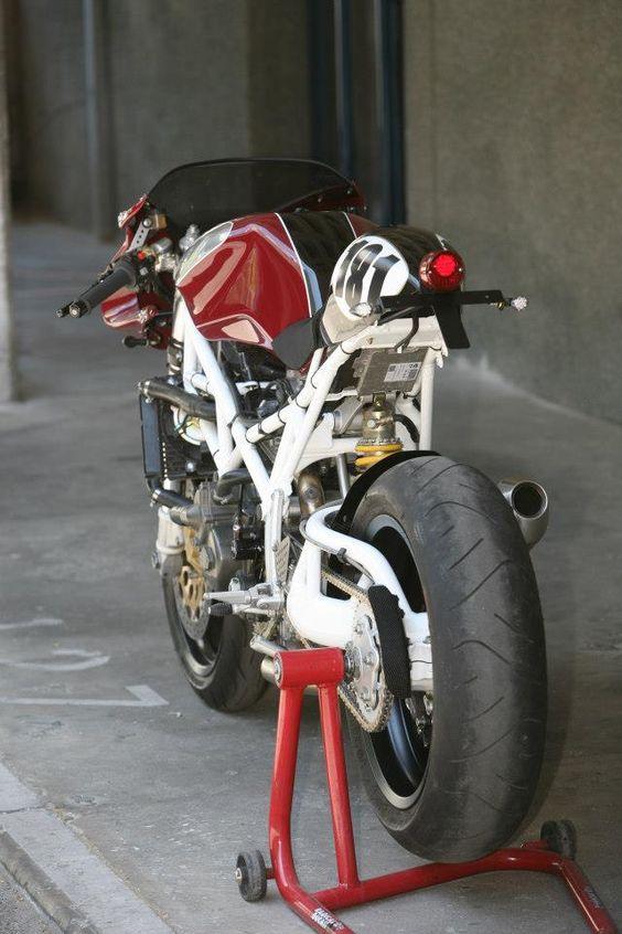 Racing Cafè: Ducati ST2