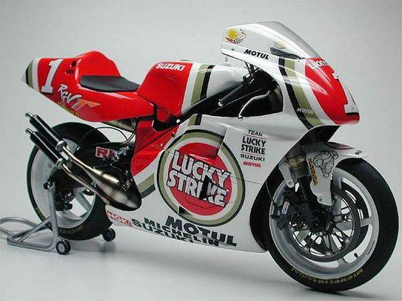 Rgv500 gp bike