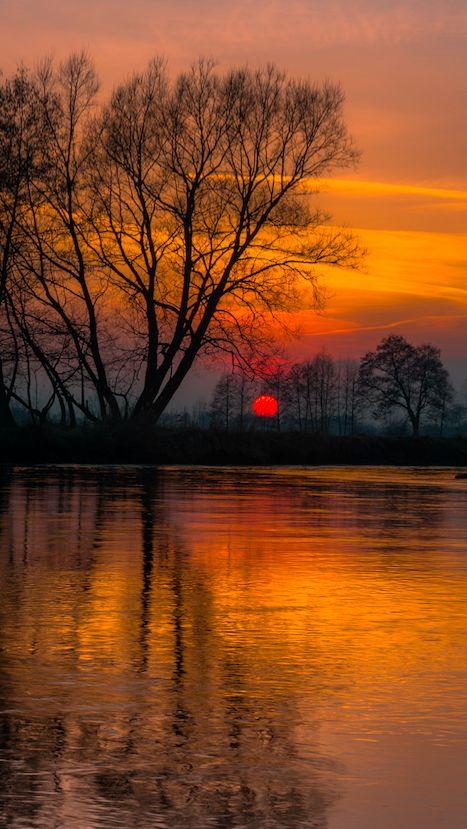 River Wieprz at sunset in Bykowszczyzna, Lublin, Poland