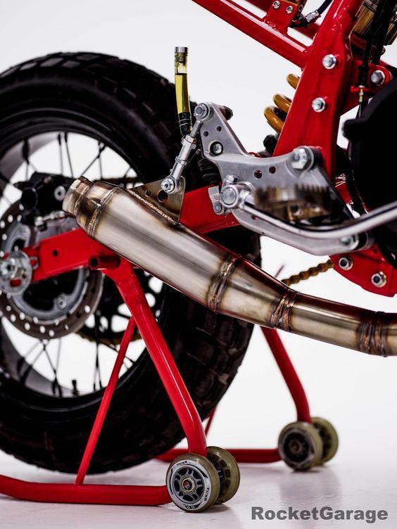 RocketGarage Cafe Racer: Honda CB750 Tracker HCG