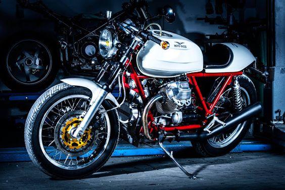 RocketGarage Cafe Racer: Moto Guzzi 1000 SP Cafe Racer