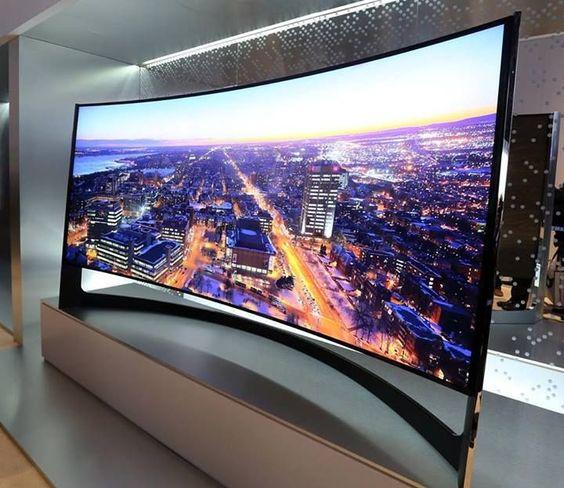 (Samsung TV UHD Incurvé 105')