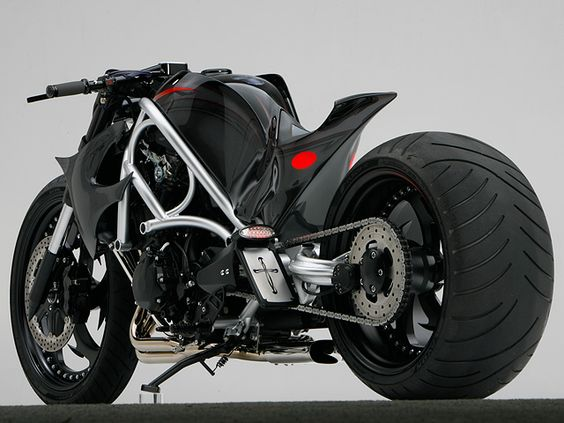 Suzuki Hayabusa custom motorcycle. Dig that seat!