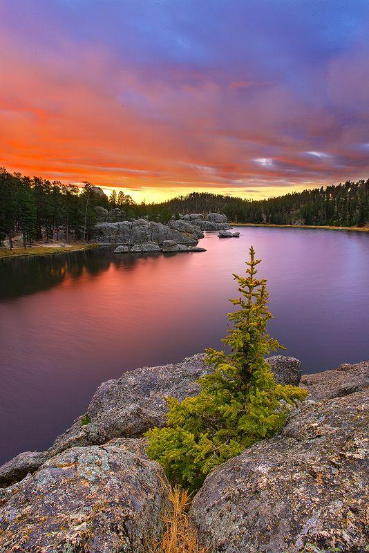 sylvan lake looks like a gorgeous hike