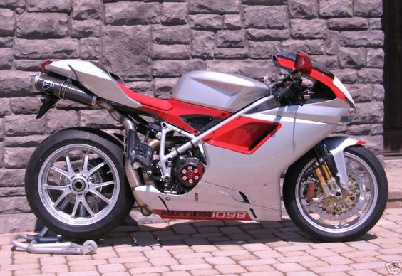 Tank Grips for  Ducati bikes 1198/1098/848 Part #62-0035