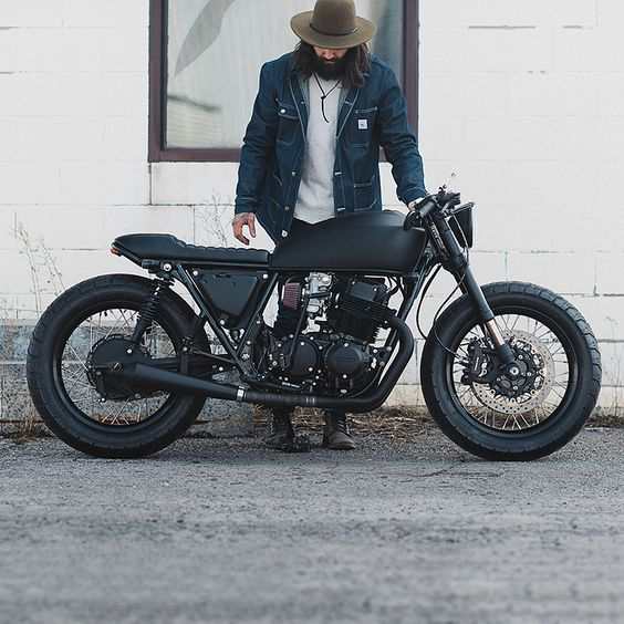 The brief was to make this CB750 blacker than a railway tunnel at midnight. Clockwork Motorcycles carried out the hit, and succeeded in style.