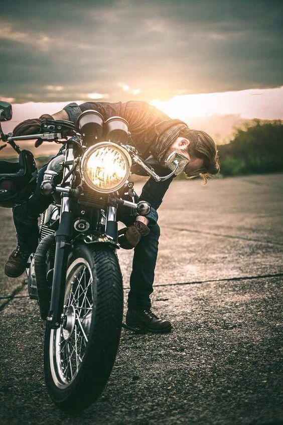 Triumph Bonneville,motorcycle, motorcycles, rider, ride, bike, bikes, speed, cafe racer, cafe racers, open road, motorbikes, motorbike, sportster, cycles, cycle, standard, sport, standard naked, hogs, hog #motorcycle