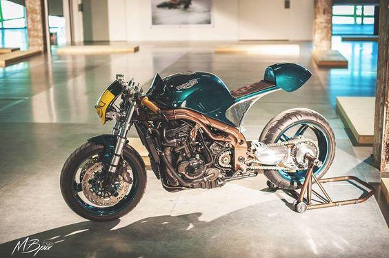 Triumph Daytona Cafe Racer by ExtremeWorkshop #motorcycles #caferacer #motos |