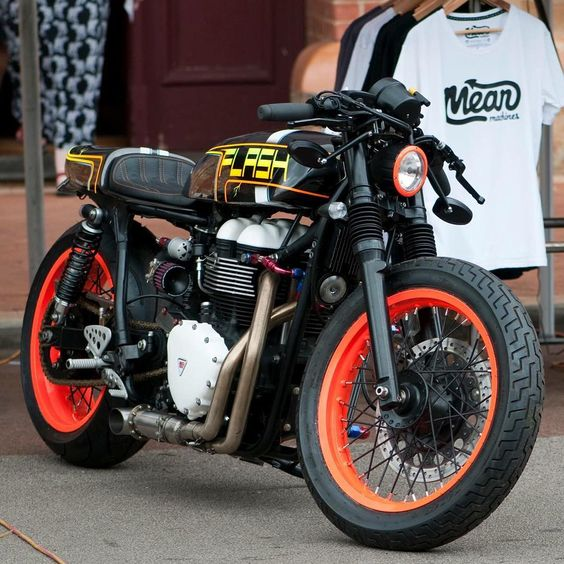 """Triumph Thruxton Cafe Racer """"Flash"""" by Meanmachines #motorcycles #caferacer #motos  """