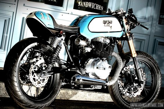 Une Honda CB 400 N cafe-racer, 1ère prépa signée 87 DB