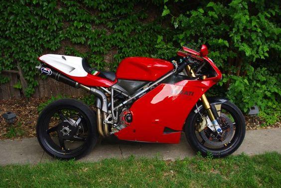 Very trick 996/8R (ducati )