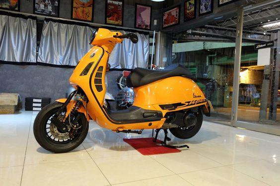 Vespa GTS - orange / small front mud cover