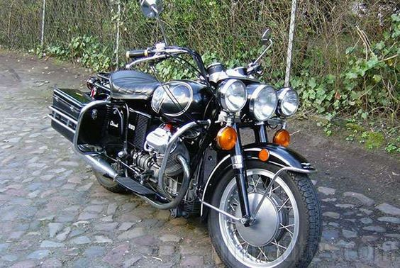 Vintage Moto Guzzi V7 850 Eldorado te huur