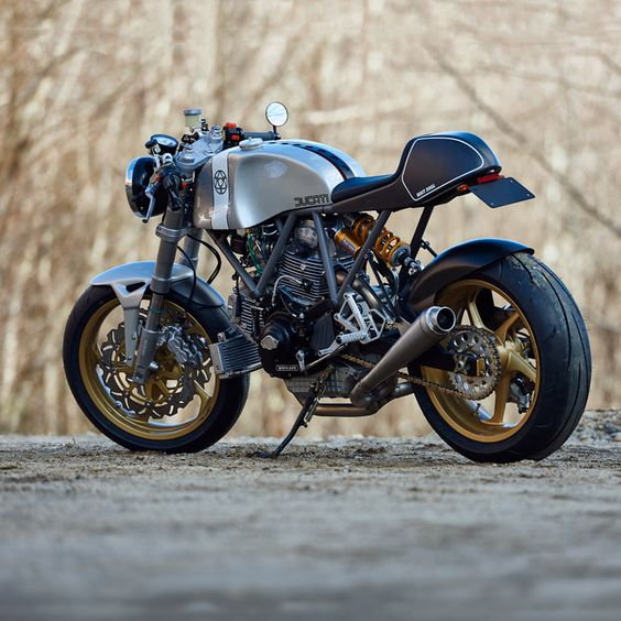 Walt Siegl is back with two incredible new Leggero cafe racers. And we can't tear our eyes away from them. They've got custom cromoly frames, blueprinted Ducati 900SS motors with 944 big bore kits and massaged heads, and Kevlar bodywork. Here's one: head over to  to see the other.