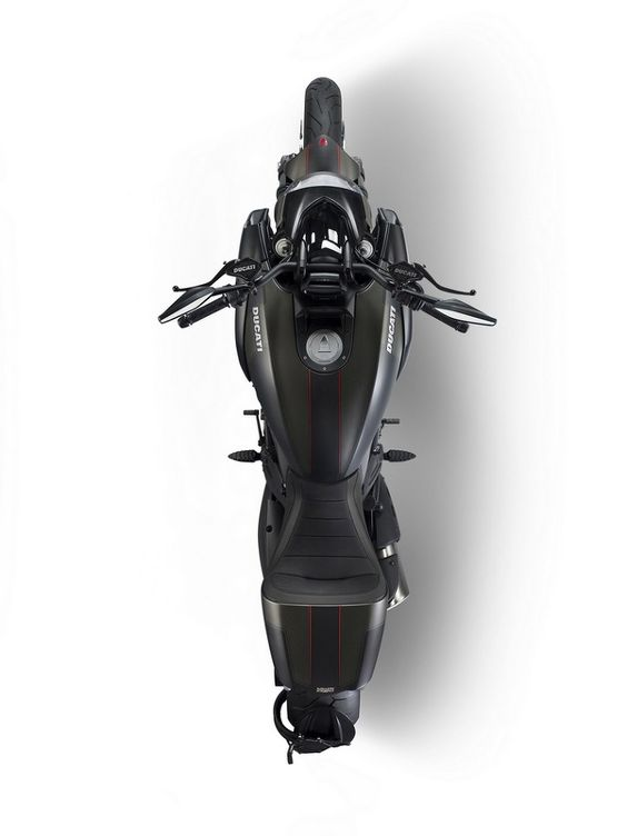 Whoop De Doo :: DUCATI DIAVEL CARBON EDITION