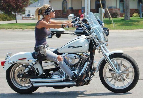 ❤️ Women Riding Motorcycles ❤️ Girls on Bikes ❤️ Biker Babes ❤️ Lady Riders ❤️ Girls who ride rock ❤️ TinkerTailorCo ❤️