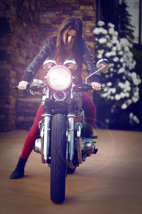 ❤️ Women Riding Motorcycles ❤️ Girls on Bikes ❤️ Biker Babes ❤️ Lady Riders ❤️ Girls who ride rock ❤️TinkerTailorCo ❤️