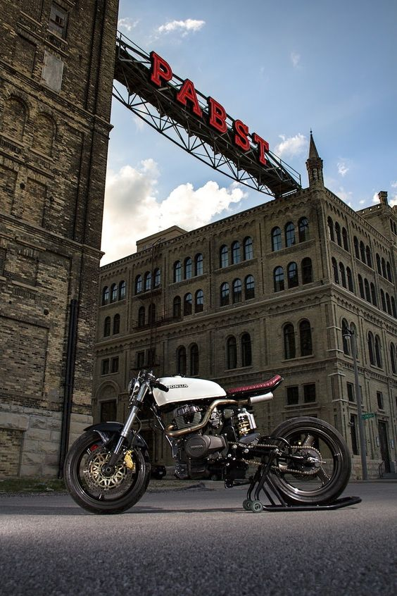 Wrench Tech Racing's 1982 CM450 Modern Cafe Conversion #CafeRacer #Tonup