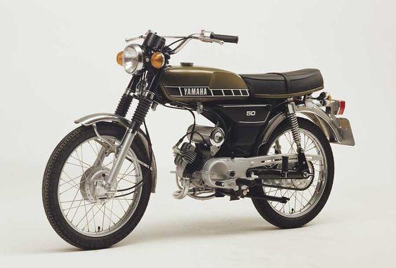Yamaha FS1E
