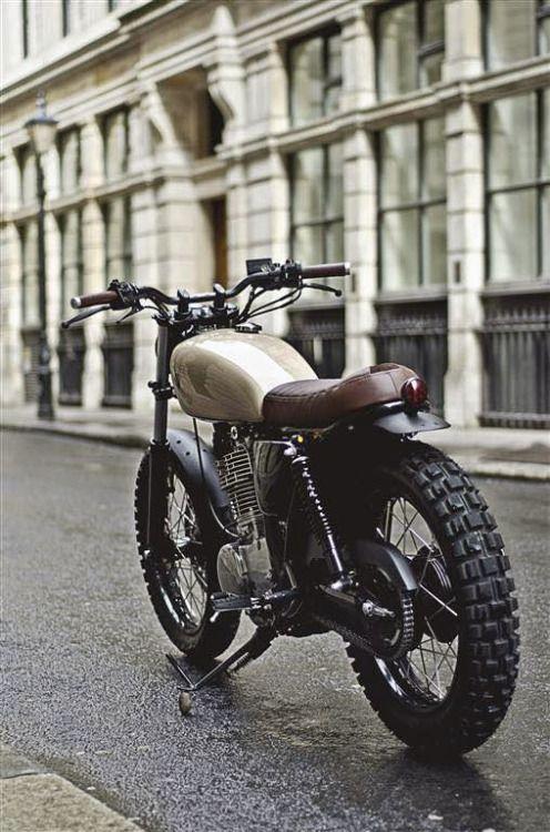 "Yamaha SR 400 Street Tracker ""Type 7"" by Auto Fabrica #motorcycles #streettracker #motos |"