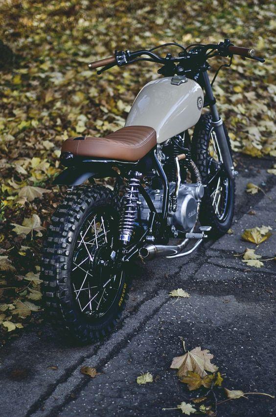 Yamaha SR250 11