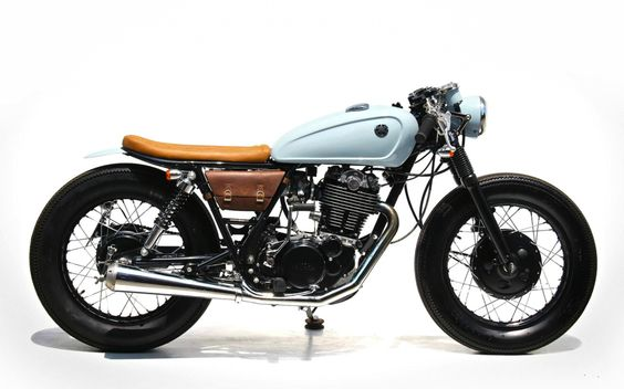 Yamaha SR400 Cafe Racer by The Sports Customs #motorcycles #caferacer #motos |