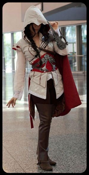 assassin's creed cosplay, love the fully dressed lady version!