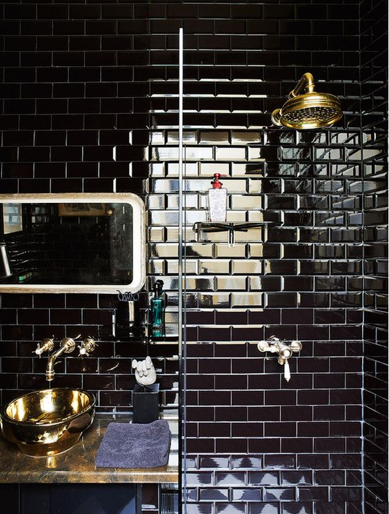 Designer Corrado di Byaze did this shower space, isn't it wonderful?...