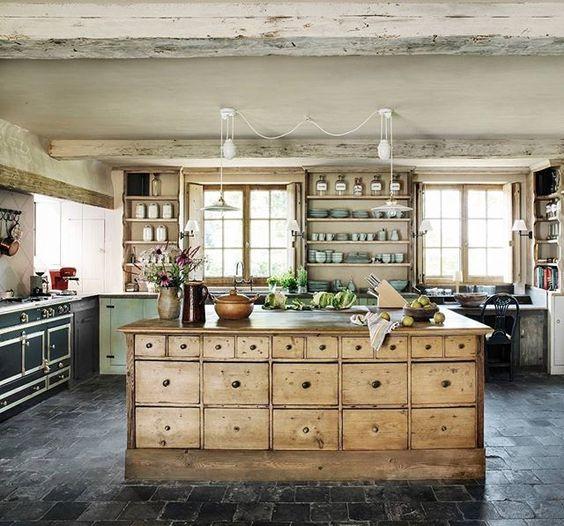 File this under the kitchen island of our dreams. #homedecor #goals ☺ (Regram: @Veranda Magazine, photo by Michael Paul/Living Inside, design by Joris Van Apers)