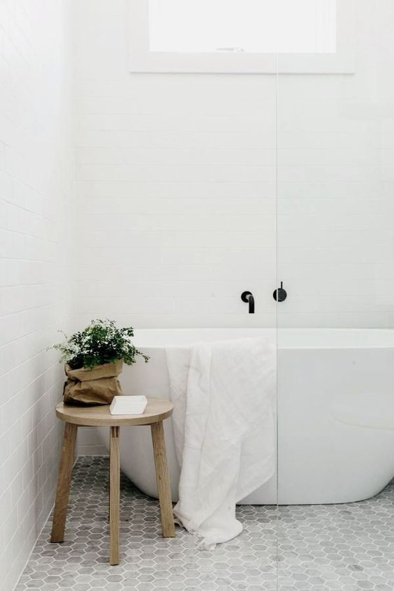 Grey hexagon marble tiles. Modern free standing tub. White subway tile / @ANDWHATELSEISTHERE