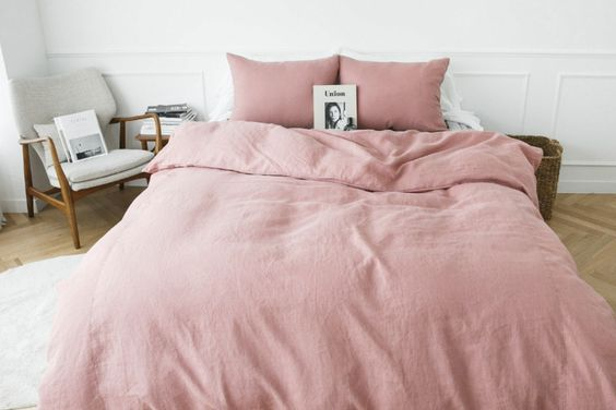 Home decor | Bedroom | Dusty rose duvet | Furniture