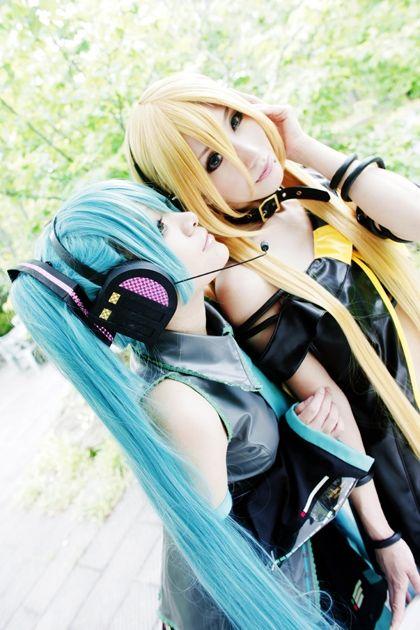 Miku & Lily cosplay